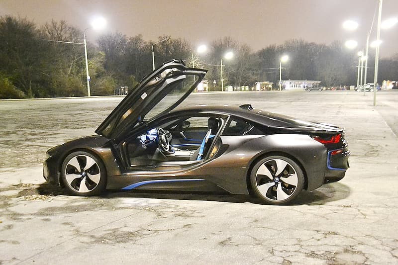 Gray BMW i8 coupe parked on parking lot