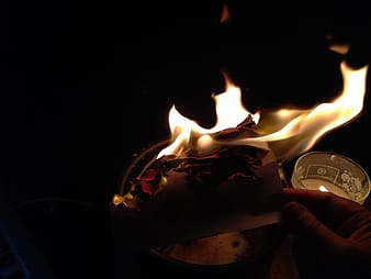 Flamed paper