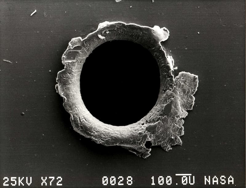 Microscopic photography of hole
