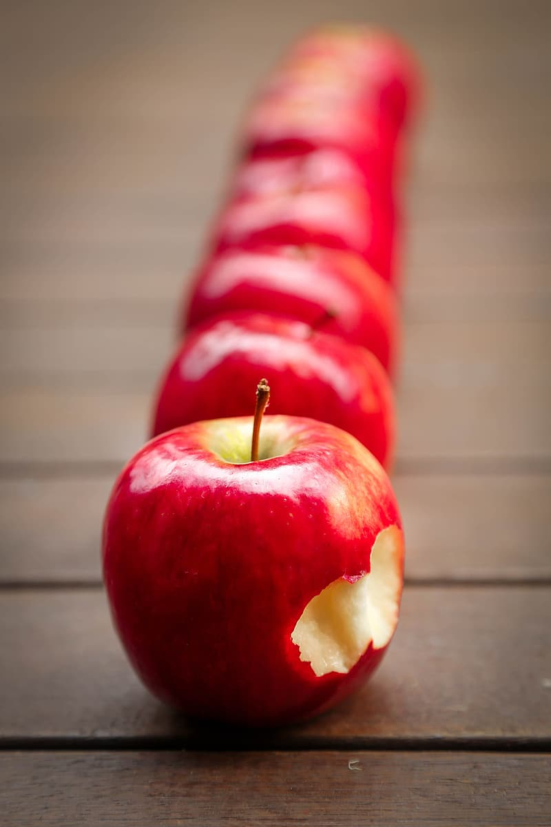 Shallow focus photography of apples