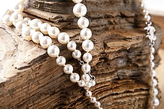White pearl beaded necklace