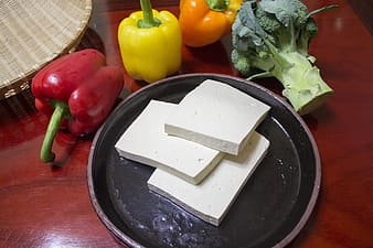 Slices of tofu with bell peppers