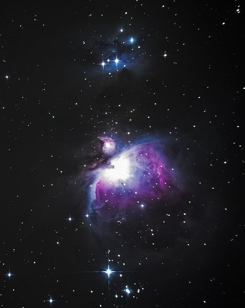 White and purple constellation photography during nighttime