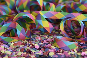 Multicolored papers