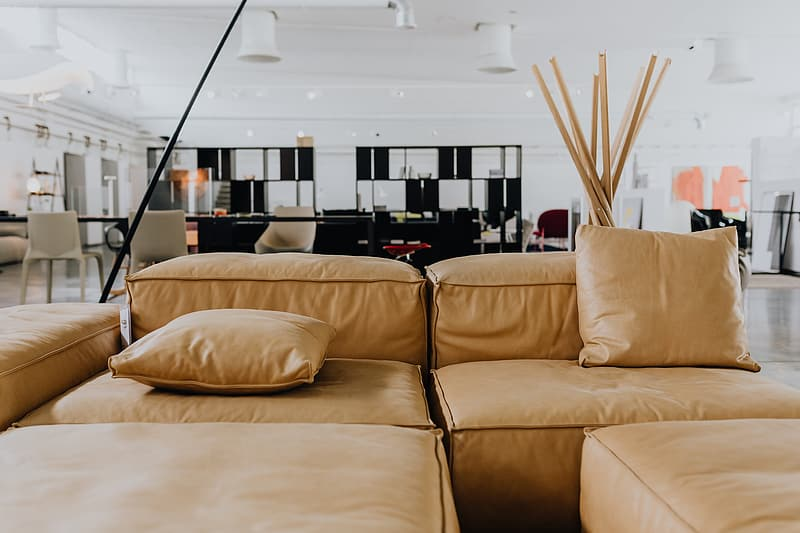 Come up of Modern & Contemporary Tan Leather Sofa