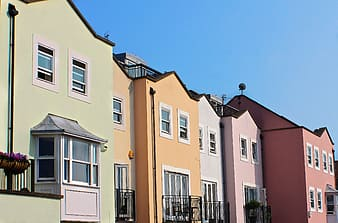 Assorted-color painted buildings during daytime photography