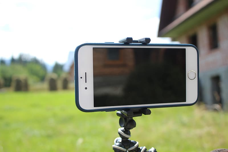 IPhone displaying black screen on octopus tripod stand
