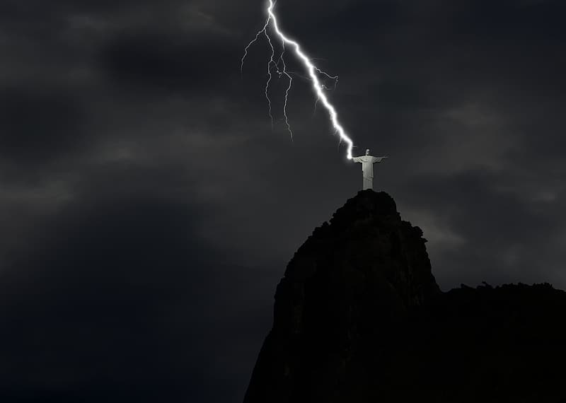 Lightning hitting Christ the Redeemer