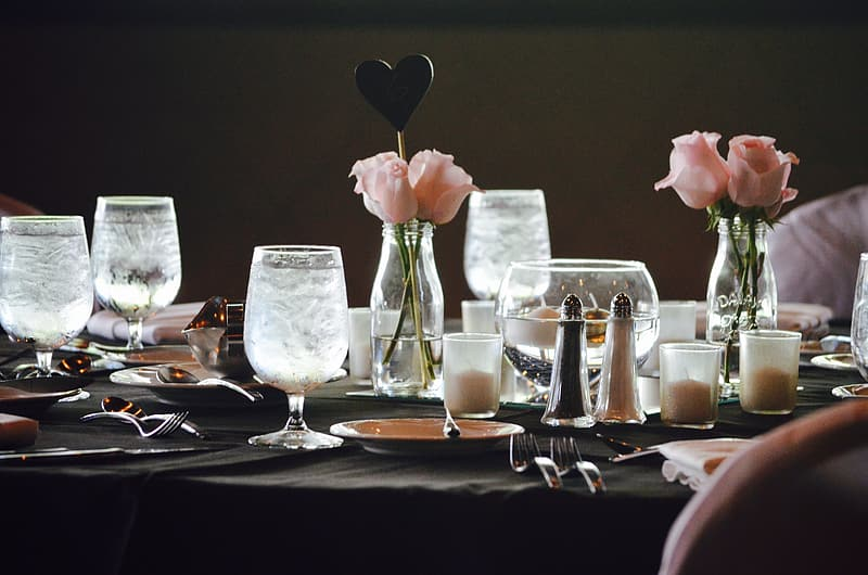 Clear dinning set on table