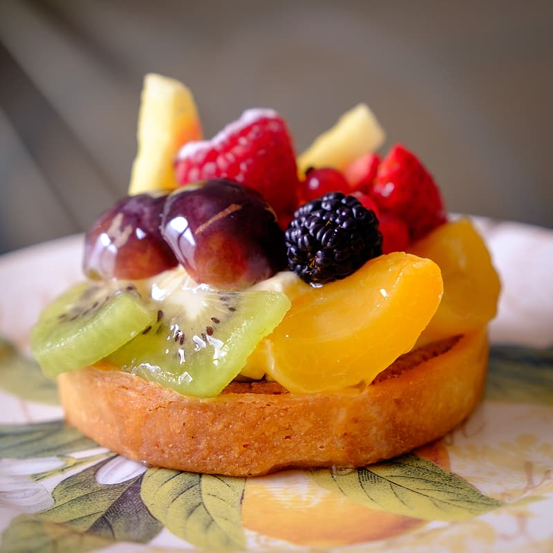 Baked pastry with sliced of fruits on top