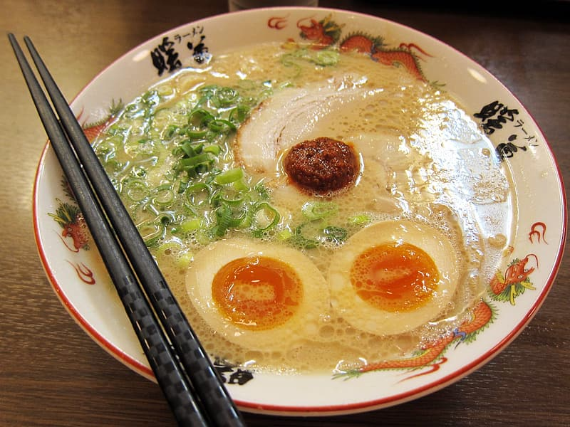 Noodle soup with egg and meat