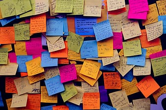 Assorted-color post it lot