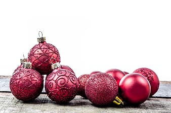 Maroon bauble lot