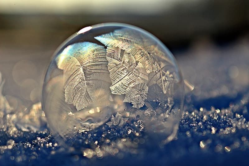 Clear glass bauble