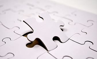 Selective focus photo of a jigsaw puzzle