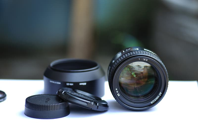 Camera lens and cover on tbale
