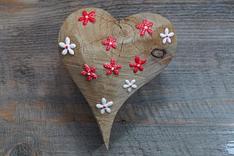 Heart shaped pink and white floral heart ornament