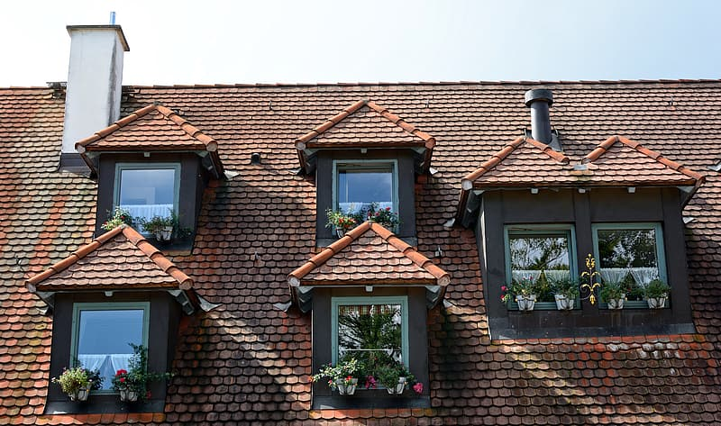 Brown brick house with brown roof tiles | Pikrepo