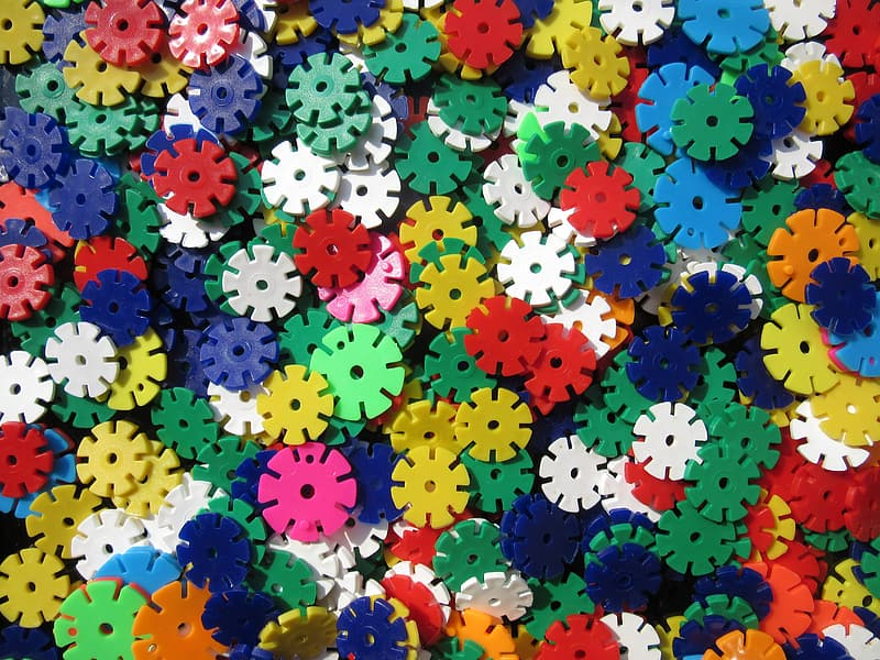Assorted-color puzzle toy lot