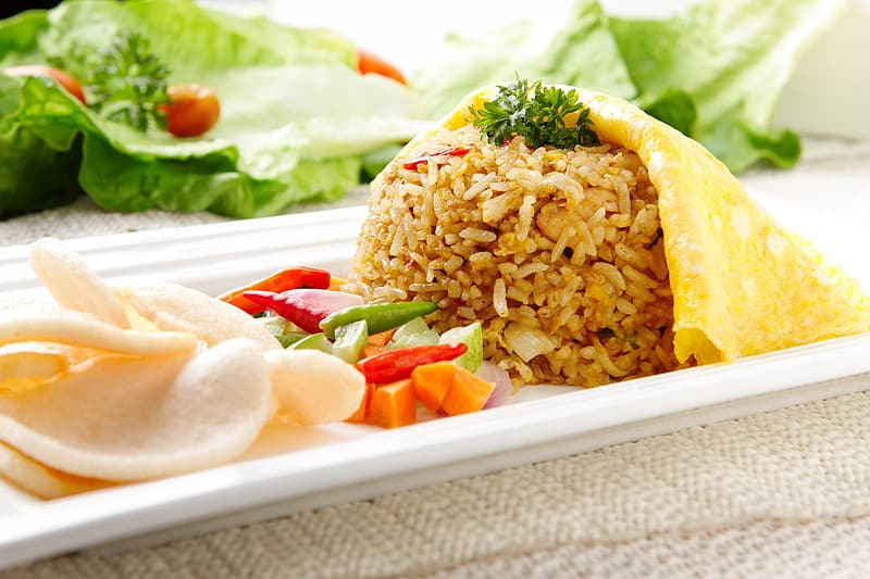 Fried rice with vegetables and chip dish