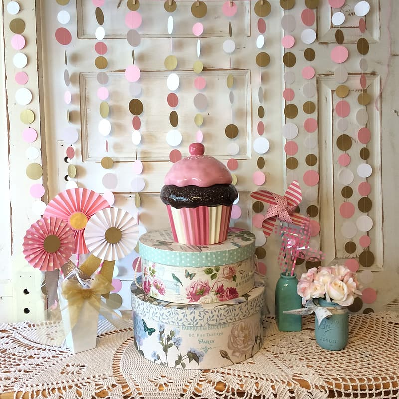 White and pink floral cake