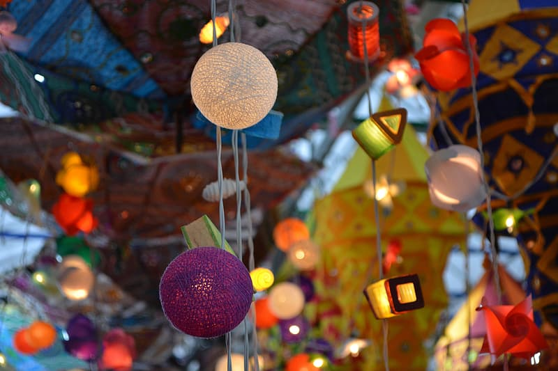 Assorted-color string light