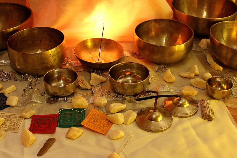 Brass-colored bowls