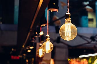 Selective focus photography of pendant lamp