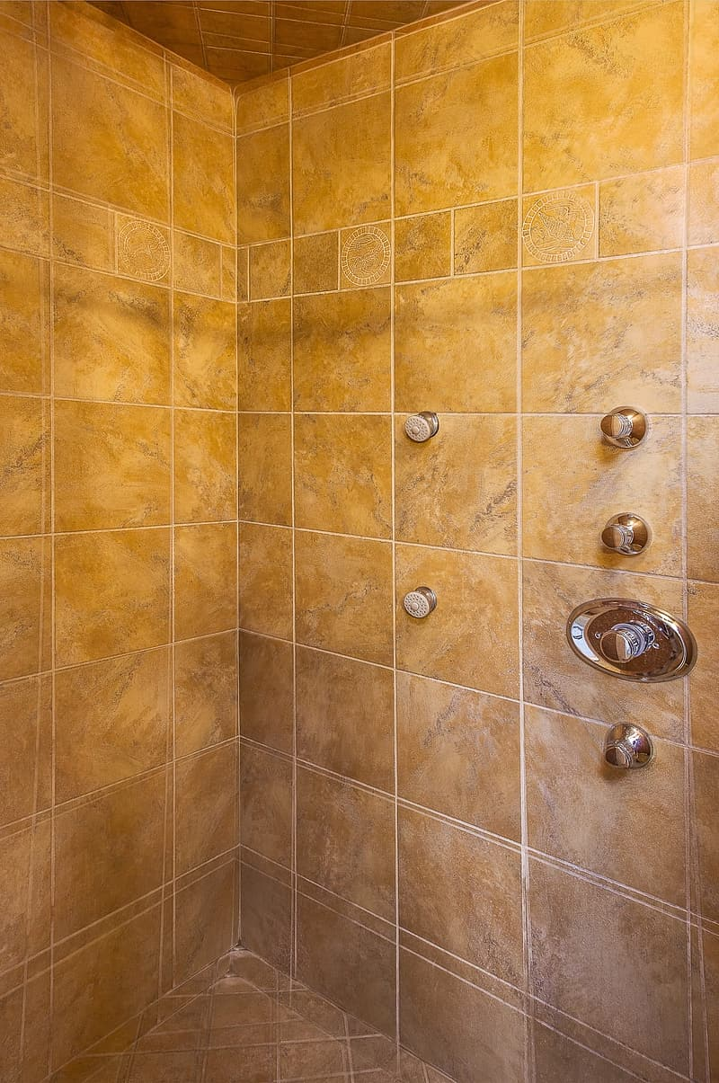 Brown shower rom