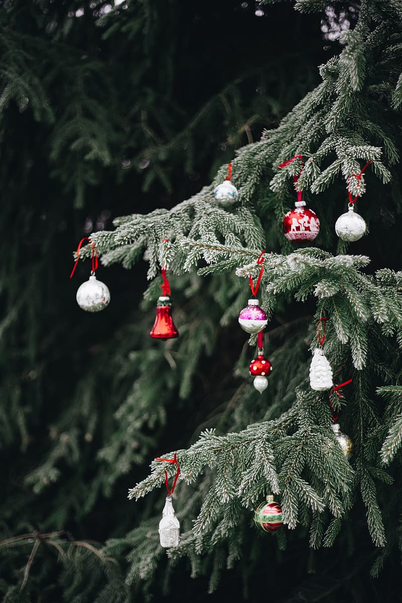Old-fashioned Christmas tree ornaments