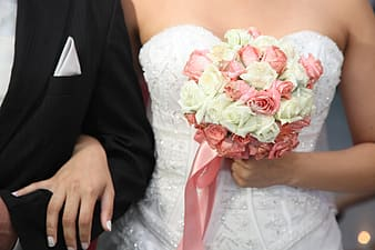 White and pink roses bouquet