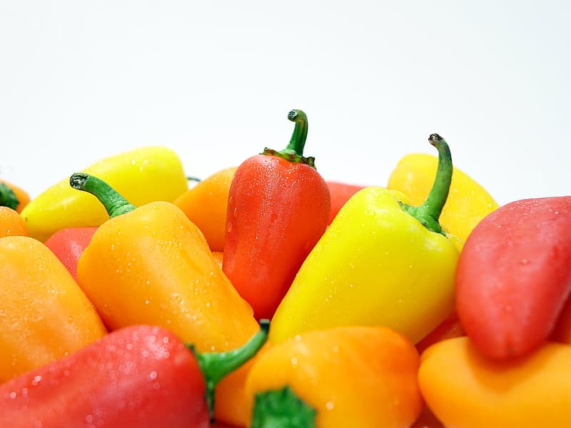 Red and yellow bell pepper lot