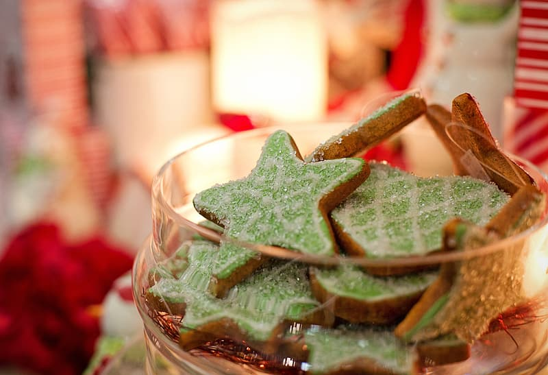 Green and brown star-shaped cookies