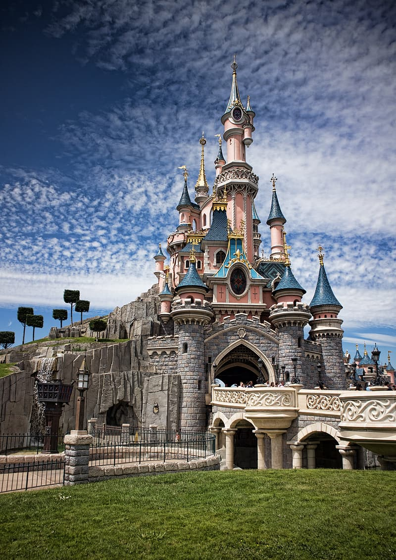 Disneyland castle at daytime