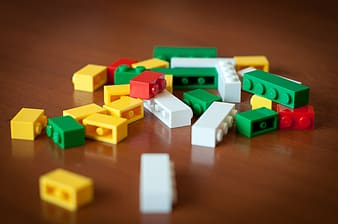 Assorted-colored building block lot