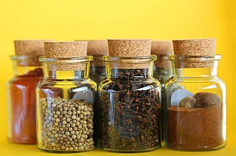 Clear spice container set