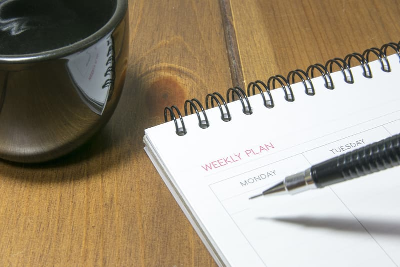White weekly plan note