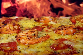 Shrimp and cheese pizza