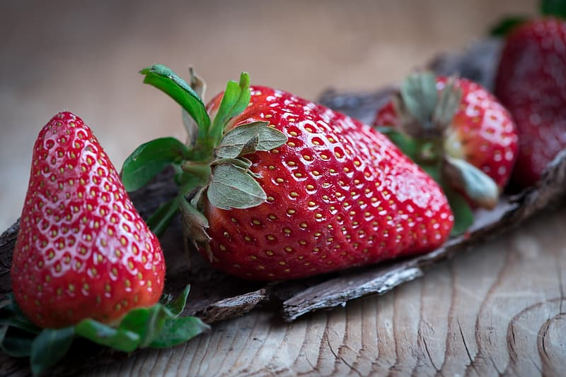 Selective photography of strawberry fruit