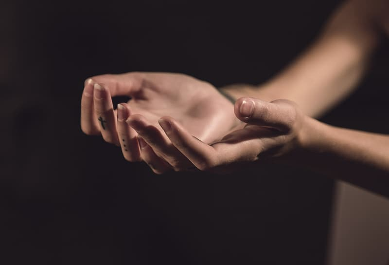 Person hands lifting