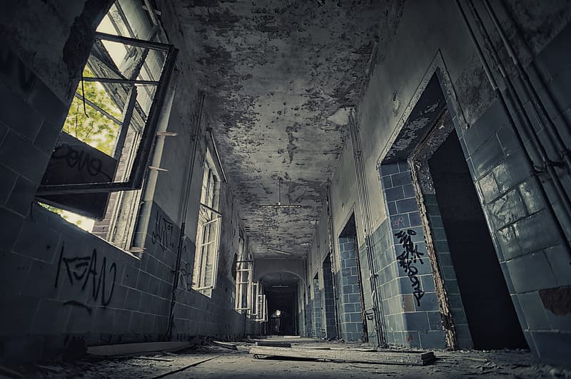 Structural photo of abandoned building
