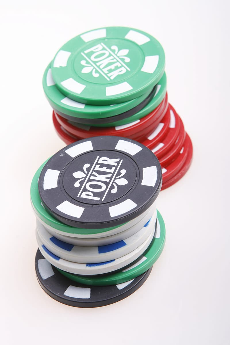 Green and red plastic round containers