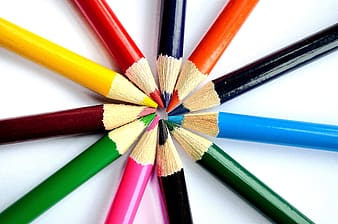 Image contain circle of color pencils