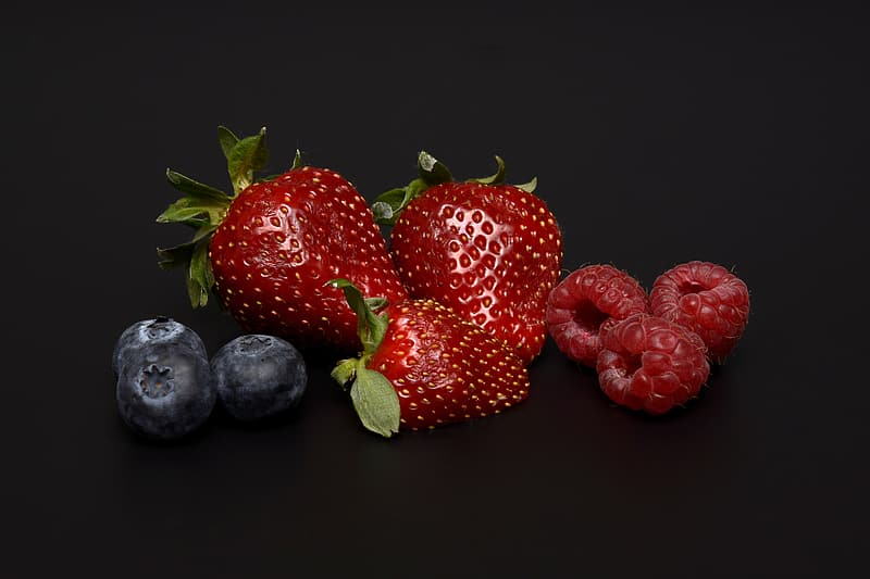 Still life photography of bunch of strawberries