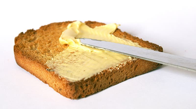 Loaf bread with margarine