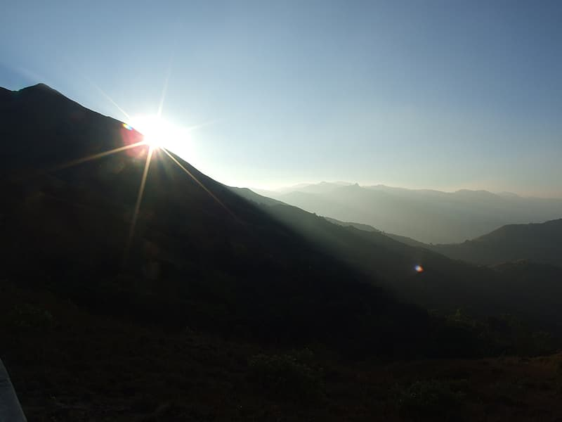 Silhouette of mountain during daytime