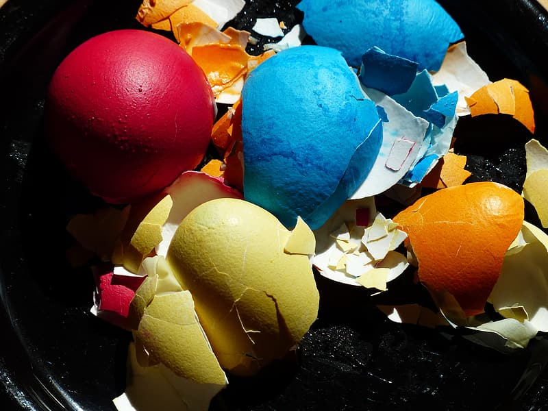 Assorted-color egg shell lot