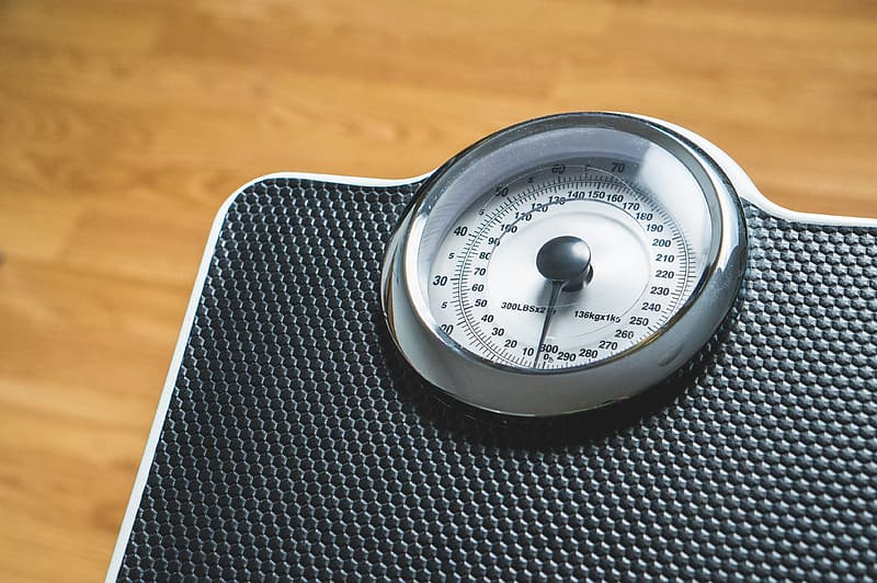 White and black weighting scale