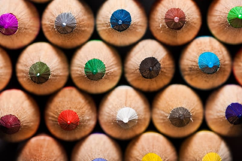 Selective focus photograph of assorted coloring pencils