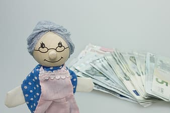 Woman doll and banknotes